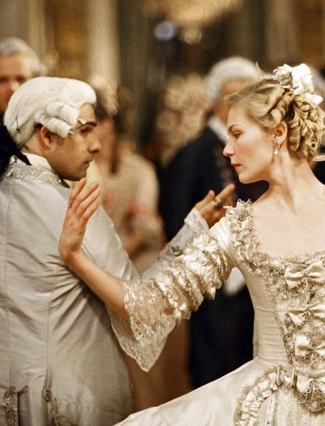 Взялись за руки: краткая история дуэтного танца