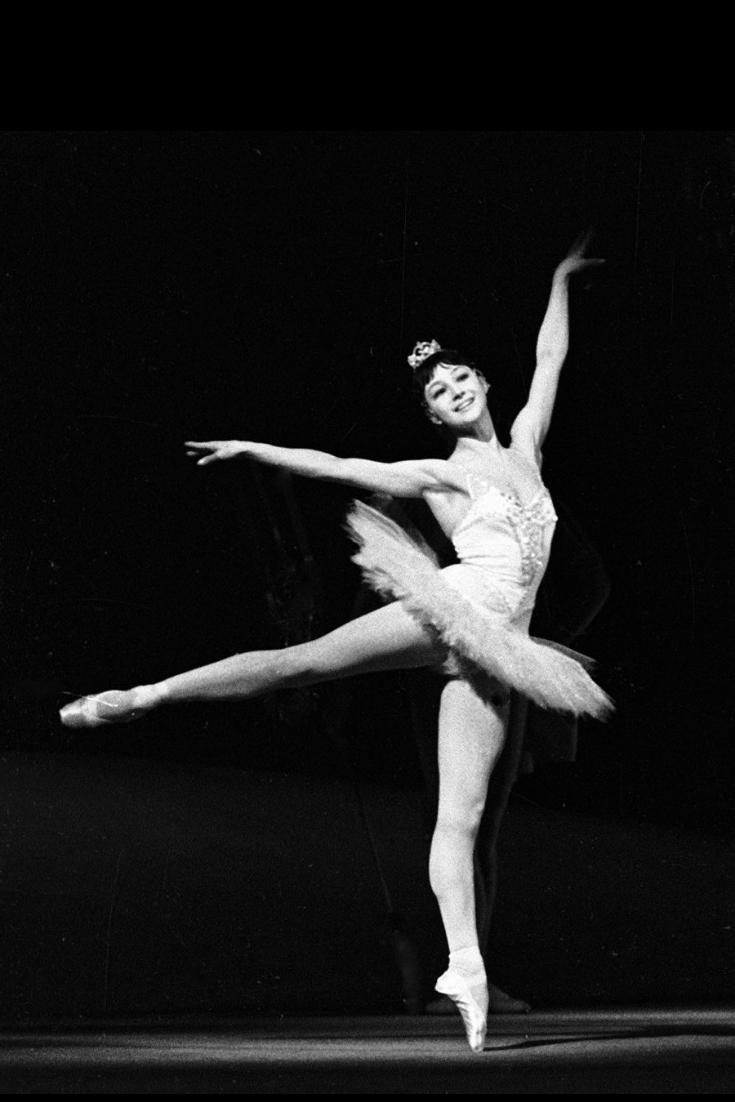 "Персонаж в балете: Клара из ""Щелкунчика"""